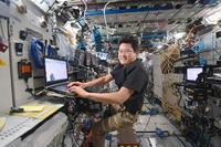 宇宙基地5カ月、金井さん帰還へ