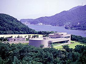 原子力発電の仕組みをパネルや映像で紹介
