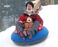 【はぐカフェ】雪遊びへGO! 坂井・ちくちくぼんぼん J字カーブ、そりで滑走
