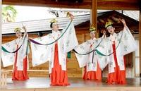 児童 豊穣祈る舞 おおいの神社 例大祭で披露