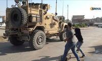 撤収米軍にクルド人抗議