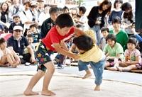池田大祭にぎわい子ども相撲に声援 豊作願い開幕