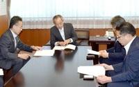 地域交通維持 支援を 福井など13県知事ネット 国交省に提言