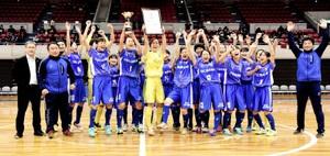 日本女子リーグ2016プレ大会で優勝を飾った福井丸岡RUCK=15日、静岡県の浜松アリーナ