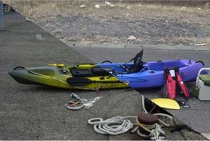 救助されたカヤック2艇(2021年3月・左:福井県美浜町、右:福井県敦賀市)