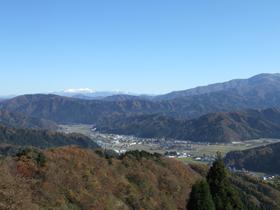 晴れの日は部子山・冠山・白山連峰が一望できる