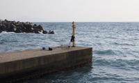 大時化の海、残された防波堤の釣り道具 12時間以上放置、事故の気配に巡視艇出動も…【敦賀海保日誌】