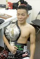 ボクシング日本王者の高橋が引退