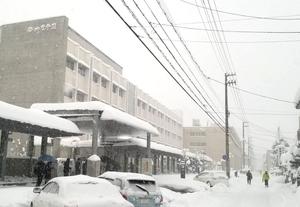 北陸高校=福井市、6日午前7時半