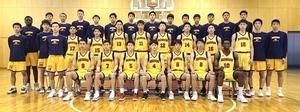 インターハイに続くウインターカップ決勝進出を目指す男子北陸高校=福井県福井市の同校