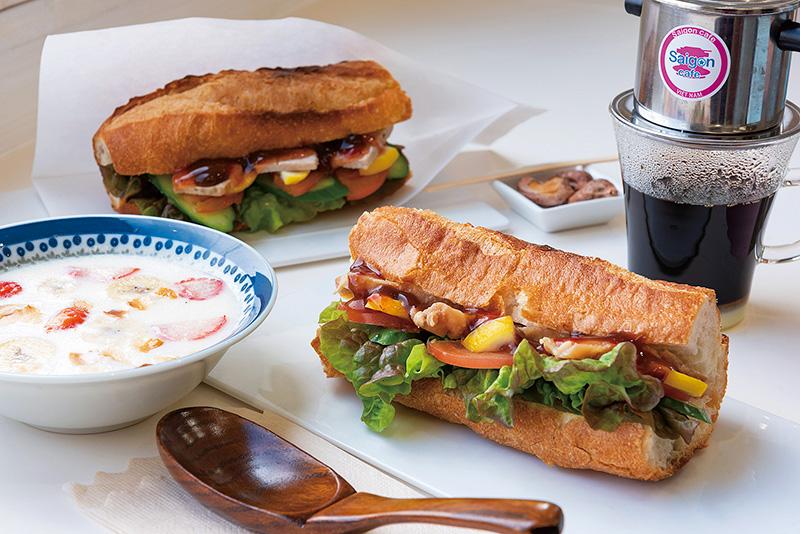 食事からスイーツまでカフェでベトナムを体感。