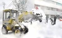 断続的に雪、福井市積雪69センチ