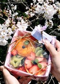 和紙に果物 春感じて 敦賀、2店舗が盛り合わせ販売へ コロナ下 おうち花見にも