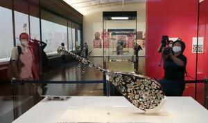 報道公開された「よみがえる正倉院宝物―再現模造にみる天平の技―」の展示=3日午前、奈良市の奈良国立博物館