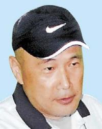 福井ユナイテッド監督に寺峰輝氏