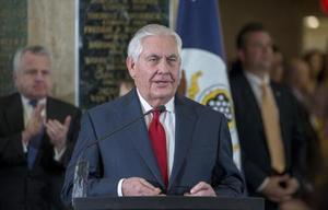 22日、ワシントンの米国務省であいさつするティラーソン国務長官(UPI=共同)