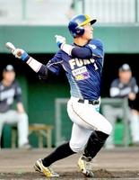 福井―滋賀 1回福井無死二、三塁、松本友が2点適時打を放ち先制する=県営