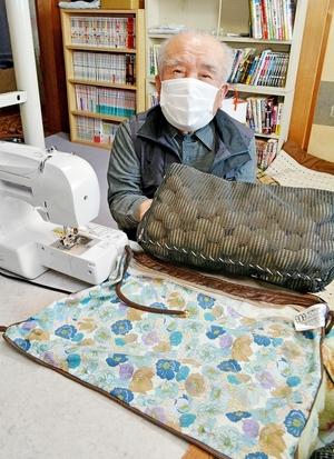 木製の球詰め枕6万円、ちょっと高い