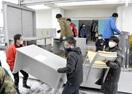 事業所で不要な机を学校で再利用