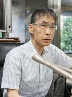 意見書を提出後、記者会見する「アイヌ政策検討市民会議」の丸山博代表=9日午後、北海道庁