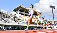 村島万感のゴール 成年男子800大会新V 直線勝負さらに加速 福井国体陸上
