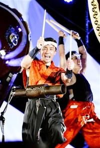 「O・TA・I・KO座 明神」座長 上坂さん 有終の太鼓 万感のばち 節目祭典で熱演 「30年やりきった」