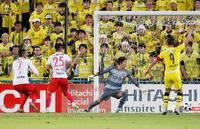 J1、名古屋が柏に競り勝つ
