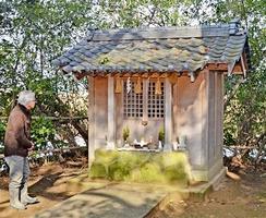 竹田川で見つかった光る石がまつられている「蕎麦河戸八幡宮」=福井県坂井市丸岡町長畝