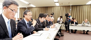 もんじゅについて議論した福井県原子力安全専門委員会=5日、福井県庁