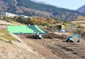 人口ゲレンデの整備が進む六呂師高原スキーパーク=11月10日、福井県大野市