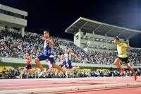福井でトップ選手疾走、2700人熱狂