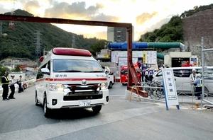 作業員が複数人搬送された福井県高浜町田ノ浦の現場=9月19日午後5時40分ごろ