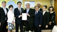 あわら市会など 早期全通を要望 岸田氏らに、国8拡幅も つながる北陸新幹線