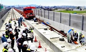 北陸新幹線、福井県でレール敷設開始