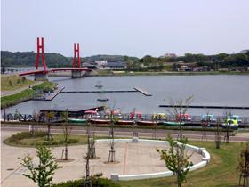 全長3.7キロの湖畔を巡るサイクリングコース