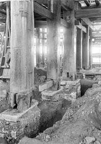 丸岡城魅力と謎 新たな謎 4 くぼみ埋め掘立柱に