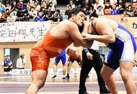安田8強 手堅さ光る スタミナ勝負 着実に加点 レスリング成年男子125キロ級 福井国体