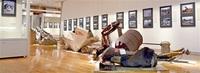 震災「自分事にして」 宮城・美術館学芸員 萱岡さん(大野出身) 壊れた食器、家電… 被災物を紹介