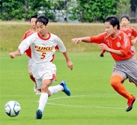 U-14大会開幕9チームが熱戦 サッカー県クラブユース新人