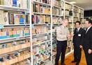 日本文学4300冊を寄贈 NZの大学講師 坂井…