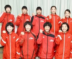 第26回全国中学校駅伝大会に出場した女子中央の選手たち