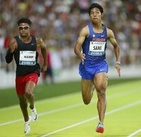 男子100メートル決勝 10秒05で3位のサニブラウン・ハキーム(右)=マドリード(共同)