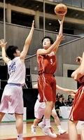 足羽―精華女子 シュートを放つ足羽の淺野瑛菜(5)=東京体育館
