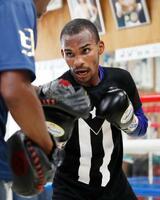 WBOフライ級戦に向け、練習を公開した挑戦者のジョナサン・ゴンサレス=名古屋市