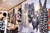 着物がドレスに、リメーク服並ぶ 高浜で展示会