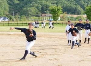 中学硬式野球が活況、軟式は苦境