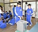 児童 1票の重み実感 清水西小 模擬投票を体験