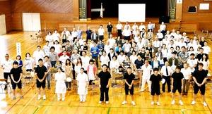 閉校の武生高池田分校で大同窓会