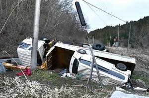1人が死亡し、2人が重傷を負った国道158号の事故現場=4月20日、福井県大野市大谷