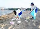 三国花火翌日、一変した砂浜に驚き